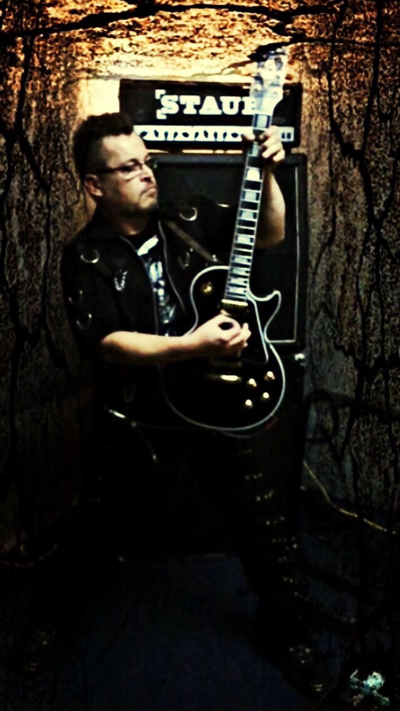 Hands On Gibson Les Paul Custom