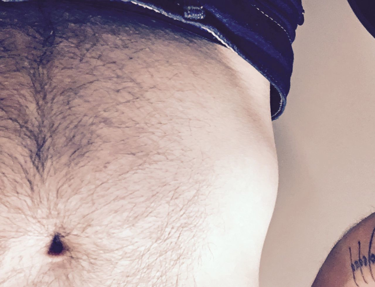midsection, real people, one person, human skin, human body part, close-up, men, indoors, day, abdomen, people