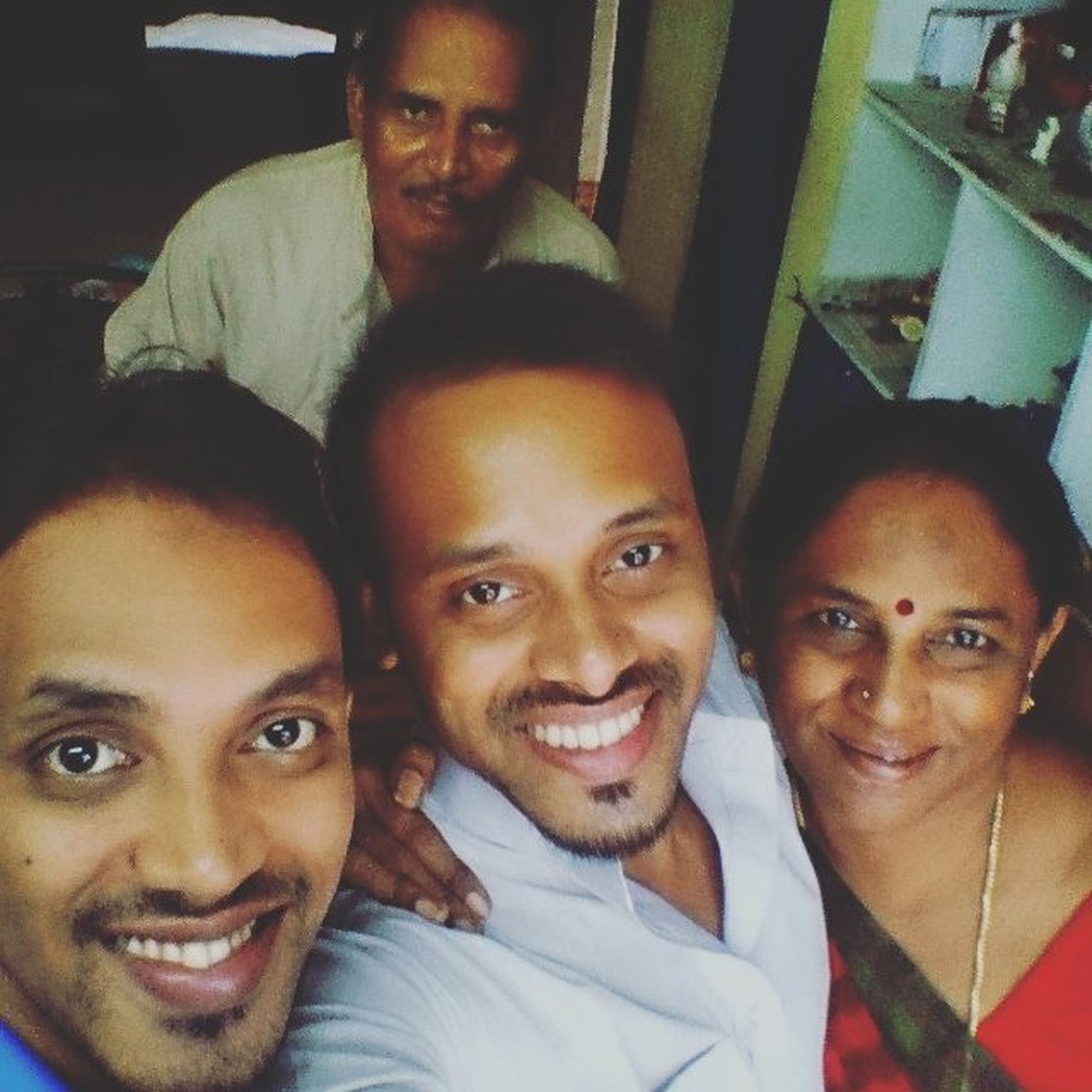 A Family Selfie on my Birthday.. Togethrness Family Loveformyfamily Fun Selfie ✌ ThatsMe People People Of EyeEm