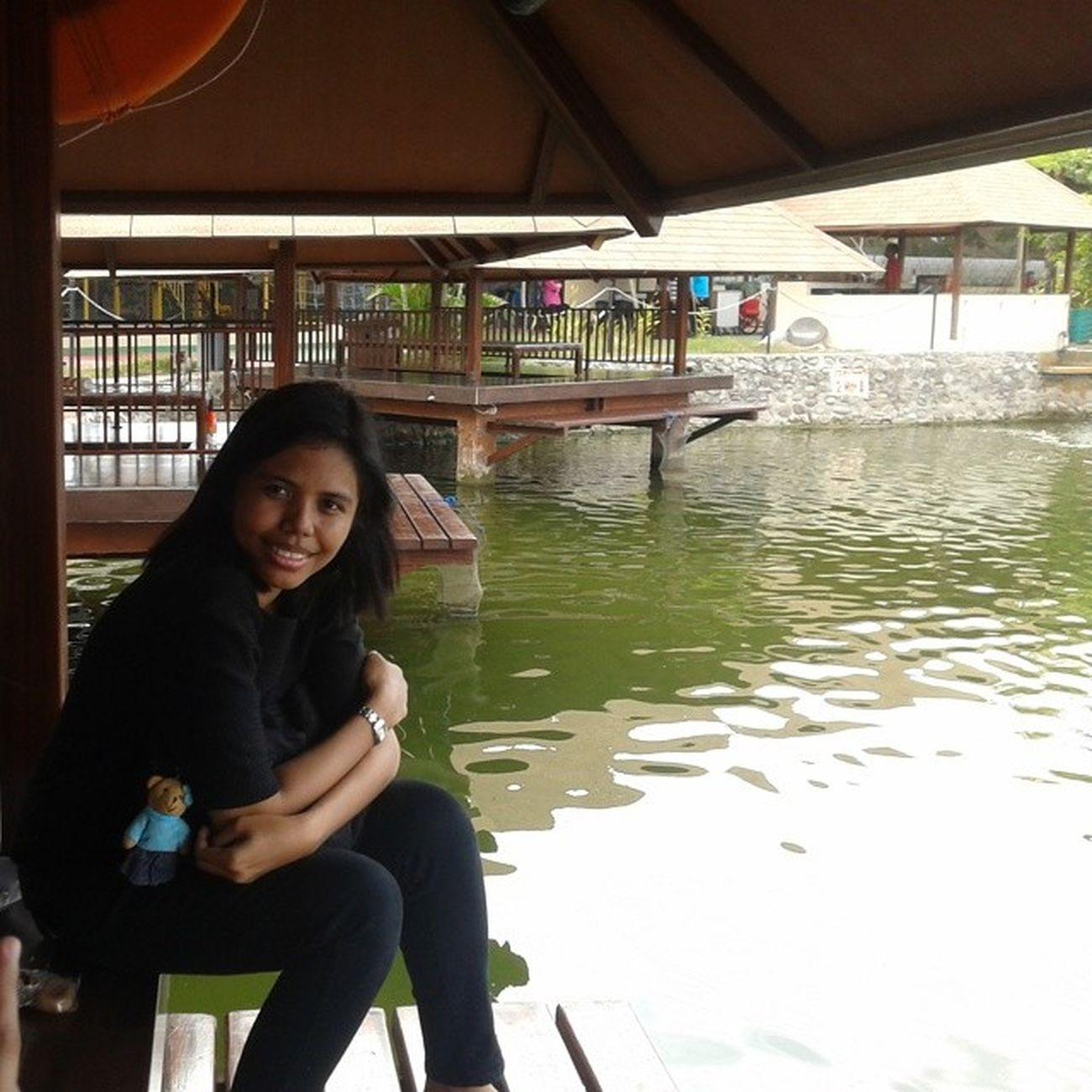 Me Indonesianwomen Lunch Restaurant Seafood Telagabarombong Barombong Instamakassar
