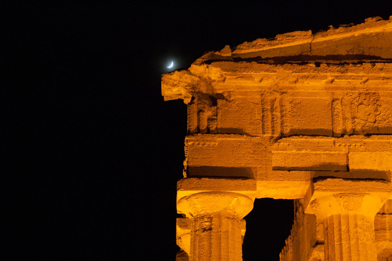 Agrigento Ancient Civilization Low Angle View Magna Grecia Moon Night Outdoors Sicily Sky Temple Of Concordia UNESCO World Heritage Site Valle Dei Templi First Eyeem Photo My Year My View