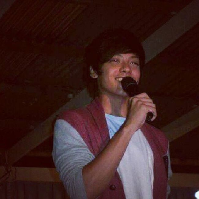 Throwbackthursday  Today is May 30, so it's been a year @agentyellow ;)) DanielPadilla at Tinurik Batangas. Don't worry danieeeel, we'll see each other again and by that time i'll make sure na may picture na tayooo together ;) So, see you again soooon (Pag may pera aq pmbili ng ticket/s sa concert/s o mall shows mo. Haha) I'll let you miss me ;) Chooos! Iger Igerbatangas picoftheday AgentYellow ♡