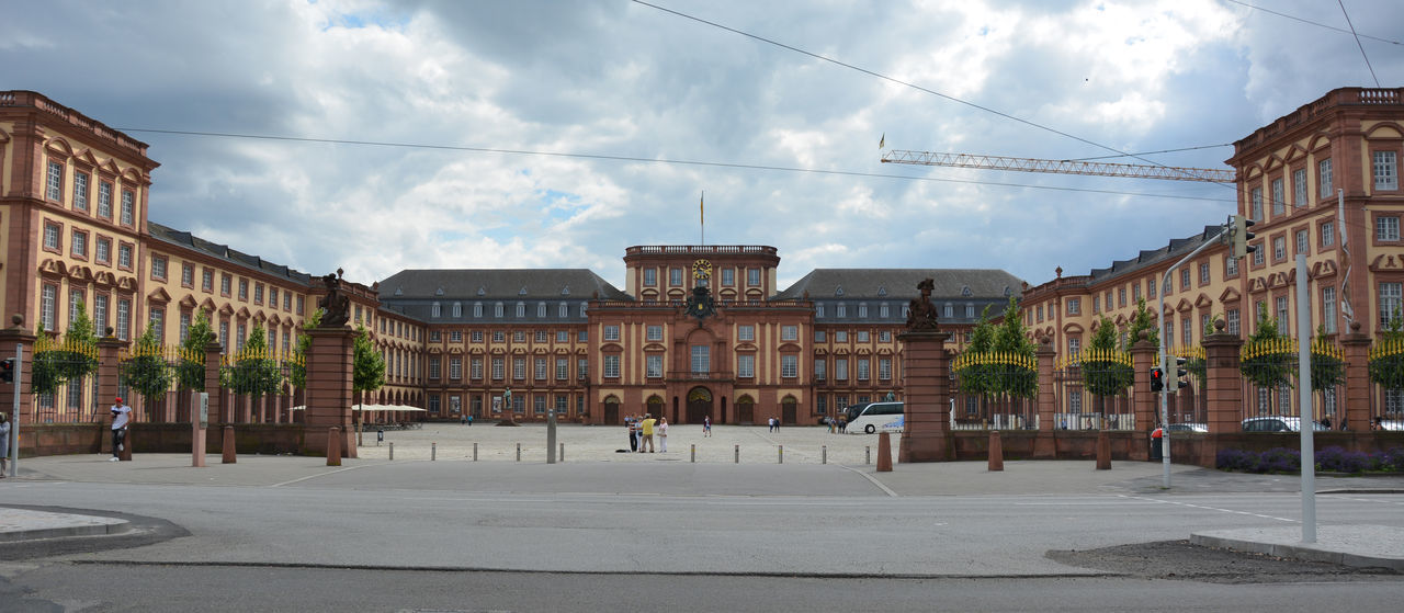 "The ""Schloss Mannheim"" on a cloudy day in Summer Architecture Building Exterior Built Structure Castle City Cloud - Sky Day Historical Historical Building Historical Sights Mannheim No People Old Buildings Outdoors Schloss Schloss Mannheim Sky"