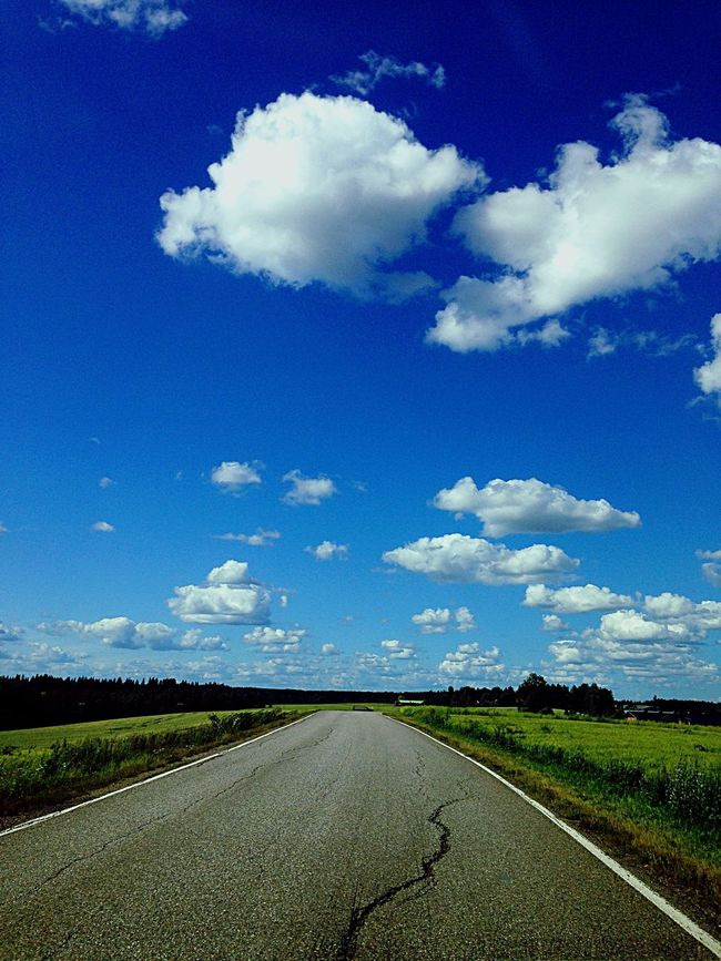 Country road Summer Summertime Countryside Country Road Blue Sky Clouds And Sky Clouds Summer Views EyeEmBestPics EyeEm Gallery EyeEm Nature Lover Eye4photography  Lifestylehotographer TheWeekOnEyeEM Love The Summer EyeEm Best Shots Sunnyday Perfect Day
