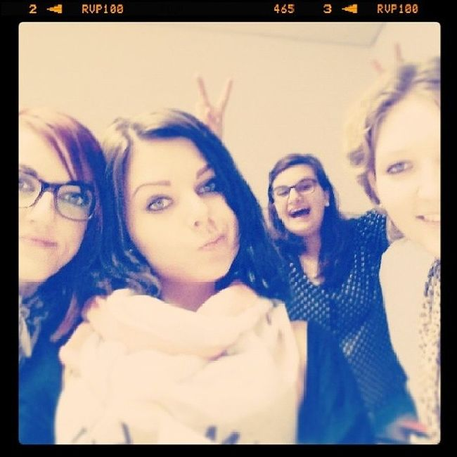 Photobomb School Sugly Girlpower stupid funny loveyougirls