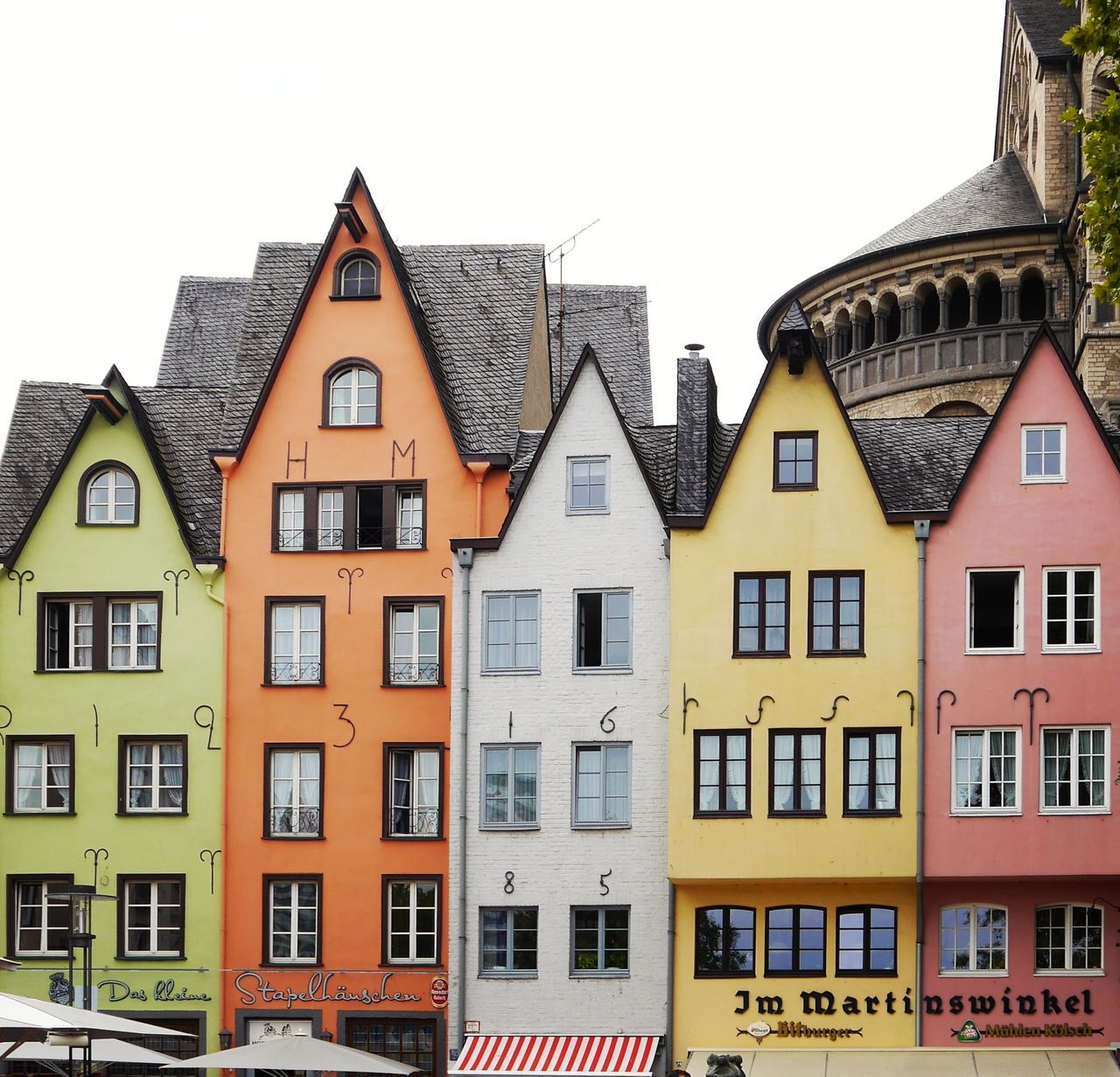 Those houses... House Building Exterior Residential Building Architecture Window Built Structure Façade City Housing Development Outdoors Home Ownership Detached House No People Roof Day Travel Destinations Cityscape Apartment Urban Skyline Sky Köln Architecture Neighborhood Map The Architect - 2017 EyeEm Awards