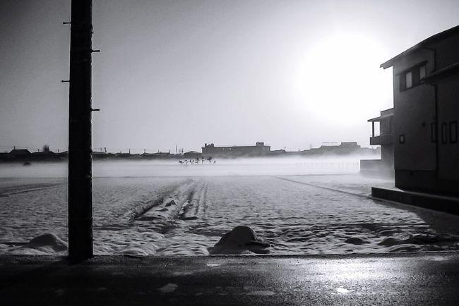 [ それは2006年でした ] A Decade Ago My First Camera Takaoka Shi Toyama,japan 2006 Collection : Japan First Winter Black And White Blackandwhite Photography Black And White Collection  Black And White Portrait Snow Field Snow Snowy Morning