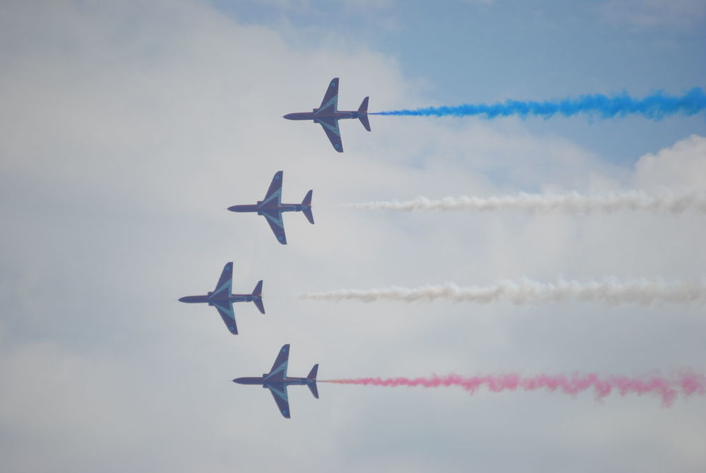 straight four Airshow Planes, Trains And Automobiles Planes In The Sky Planes Overhead AirPlane ✈ Jets Red Arrows Air Display Aircraft