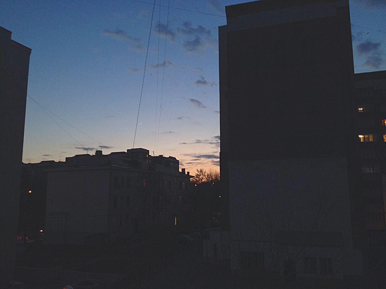 Старое, но мне кажется красивое фото классика небо
