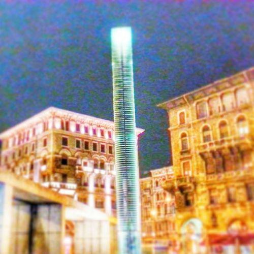 Monumento discutibile