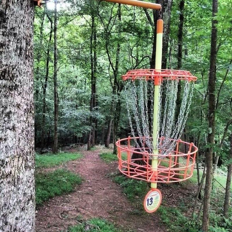 Hole 13 Highlandhills Discgolf course in North Wilkesboro NC