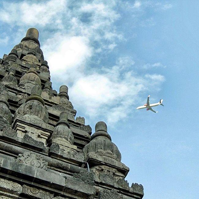 We make people fly. Vscocam Vsco_id Travelingindonesia