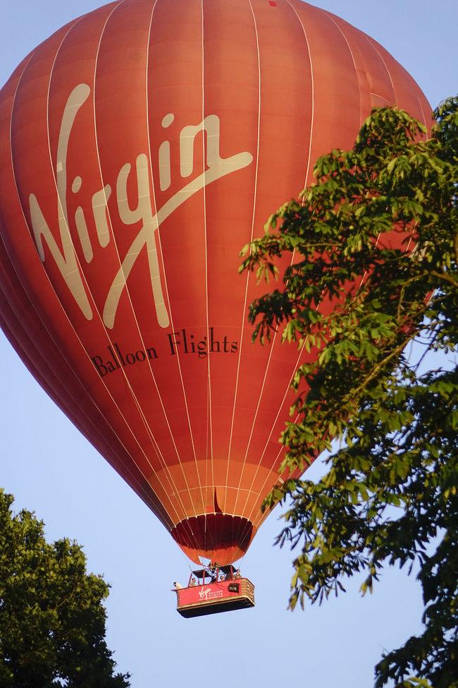 A Virgin hot air balloon flight over the Surrey countryside in Milford, England. England England, UK England🇬🇧 Flight Godalming Hot Air Balloon Hot Air Ballooning Hot Air Balloons Landing Milford Richard Branson Surrey Surrey Countryside Uk Virgin