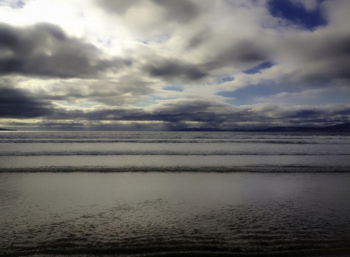 Meer bei Killorglin, Irland Beauty In Nature Cloud Cloud - Sky Coast Horizon Over Water Idyllic Ireland Irelandinspires Killorglin No People Non-urban Scene Ocean Outdoors Remote Rippled Scenics Sea Seascape Sky Tranquil Scene Water Waterfront