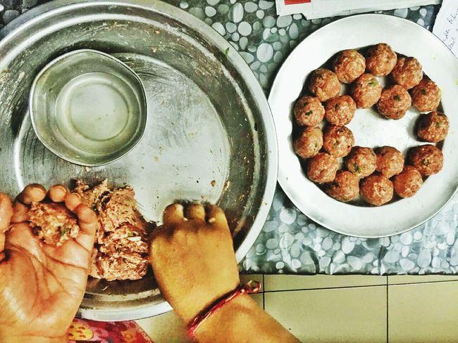 Dinner Time Making Of Meatballs Kofta Indian Food Holi Festival Preparations Home Made Food Yummyinmytummy Eyeem Food  EyeEm Gallery EyeEm Team Eyeem Market Eyeem Photography EyeEm Indian Team Here Belongs To Me