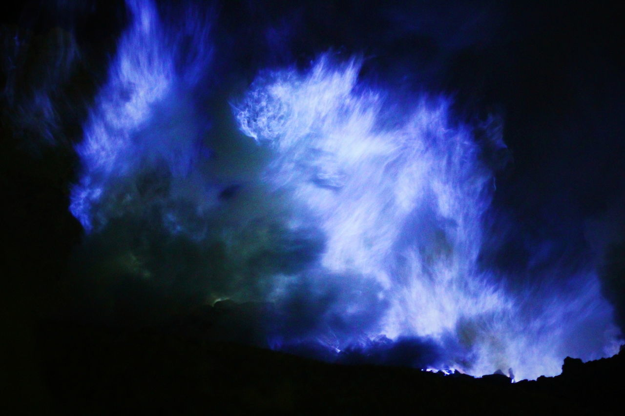 night, sky, nature, low angle view, scenics, beauty in nature, blue, silhouette, cloud - sky, outdoors, no people, tranquil scene, tranquility, lightning, astronomy, power in nature, forked lightning