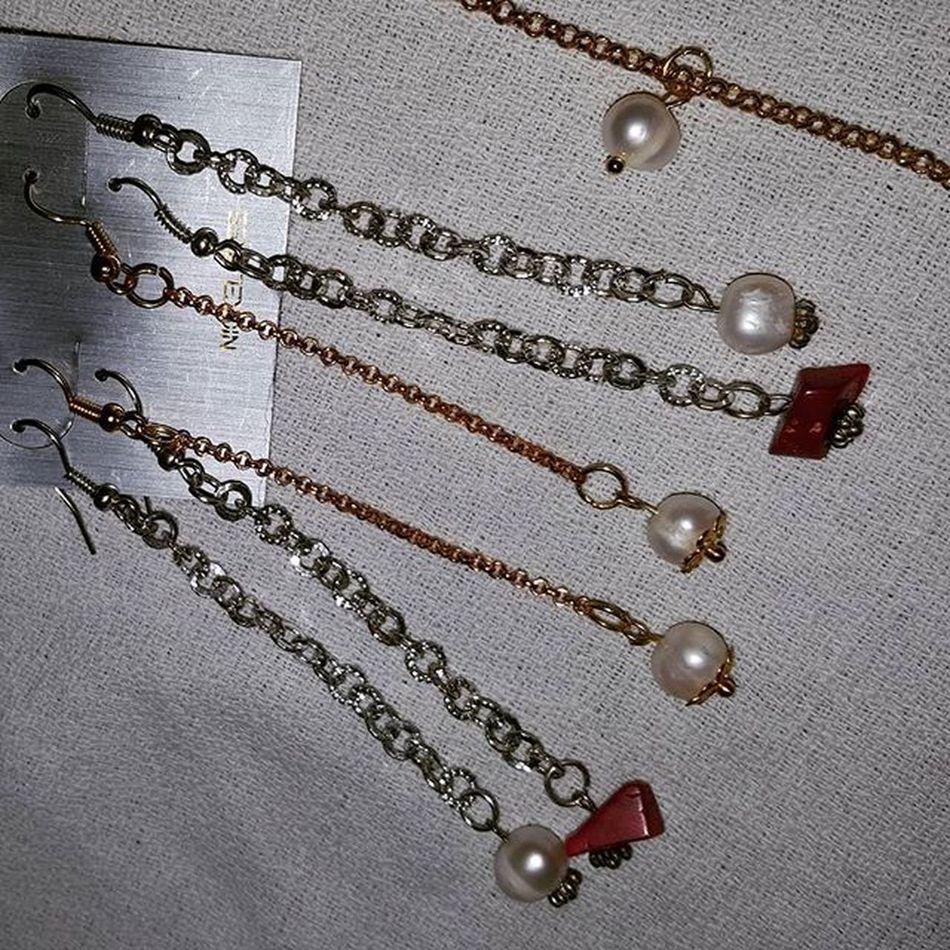 Earrings with pearls and coral bamboo Earringshomemade Jewelryhomemade Coral Coralbamboo Corallo Corallobambù Orecchinifattiamano Pearls Pearlsofriver Perledifiume Perle Bigiotteriaartigianale Bigiotteria