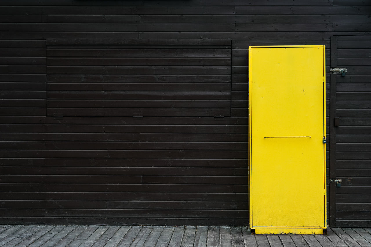 Yellow Minimalism Architecture Building Exterior Façade Taking Photos Urban No People Black