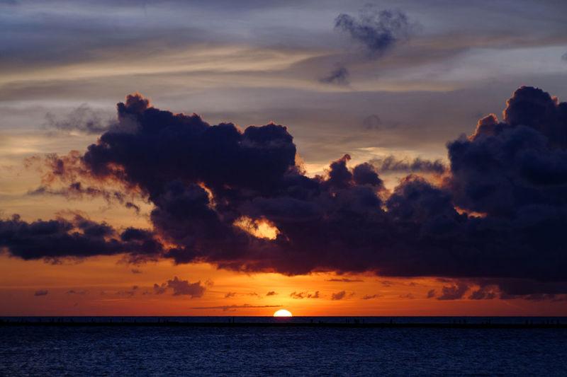 Beauty In Nature Cloud - Sky Dramatic Sky Horizon Horizon Over Water Idyllic Jupiter9 Nature Orange Color Scenics Sea Silhouette Sky Sun Sunset Tranquil Scene Tranquility EyeEm Selects Sommergefühle