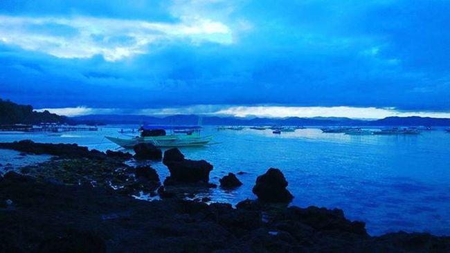 Breaking Dawn More Fun In The Philippines  Dawn Of A New Day Breaking Dawn Beach Life Beach Lovers Beach Life