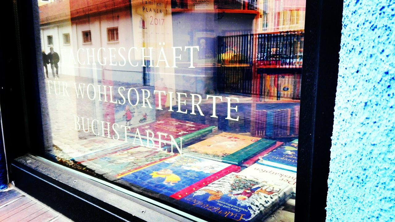 Text Outdoors Architecture Scenics October 2016 The Place ı've Been Today How Is The Weather Today? Autumn 2016 Tourism City Travel Destinations Magdeburg Grüne Zitadelle Hundertwasser-Haus Hundertwasser Book Store Window