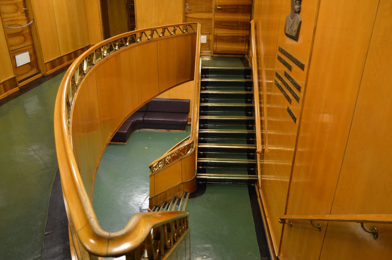 steps, staircase, indoors, steps and staircases, high angle view, wood - material, no people, architecture, day, hand rail