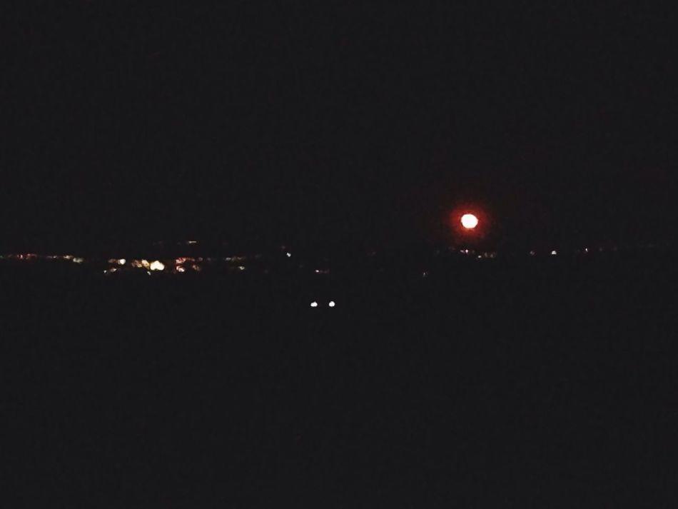 Rossa è la luna, il sabato sera Redmoon Sevedencazzo Moonlight Purplehazeme