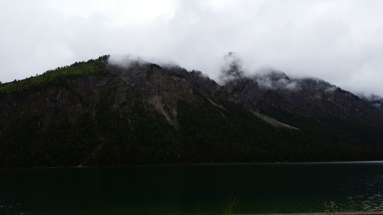 Plansee Österreich Hanging Out Check This Out Mountain Range Drone Moments Check This Out Samsung Galaxy S6 Power In Nature No People First Eyeem Photo Scenics Day Cloud - Sky