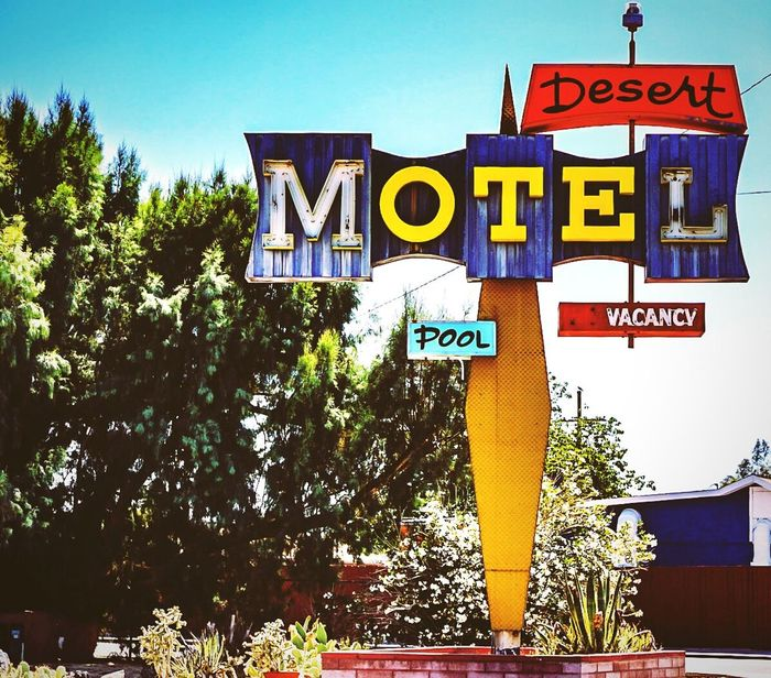 Sign Signs Signage Signs Signs Everywhere Signs Signs_collection Motels Motel Motel Sign Retro Style Retro Retro Signs Retrosign Sonya6000 A6000 California California Dreaming Neon Sign Neonsigns Classic Streetphotography Street Photography Street Art Streetphoto Street Photo