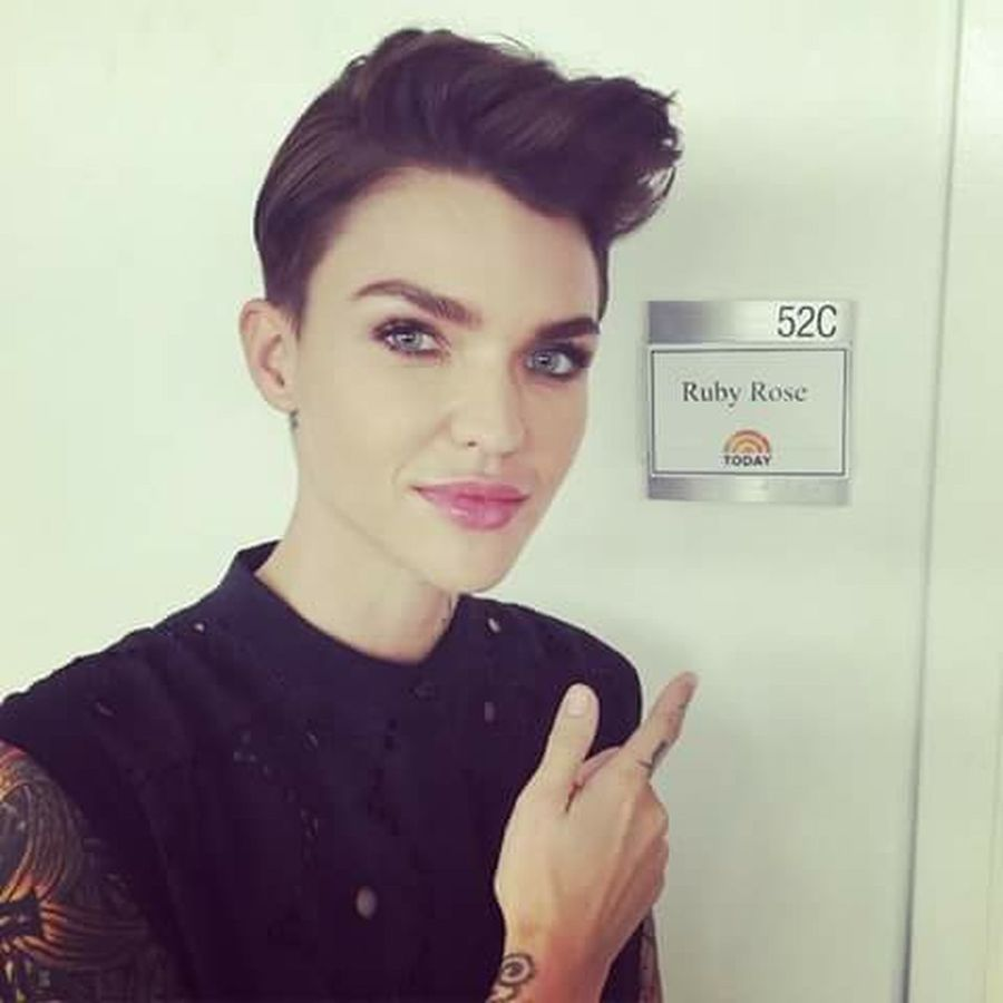 Teamo♥ Sexylesbian Lesbian Love  Lesbians Lesbian Lesbian ♥ SexyGirl.♥ Ilovegirl Tattoo ❤ Iloveyou La amo Ruby Rose