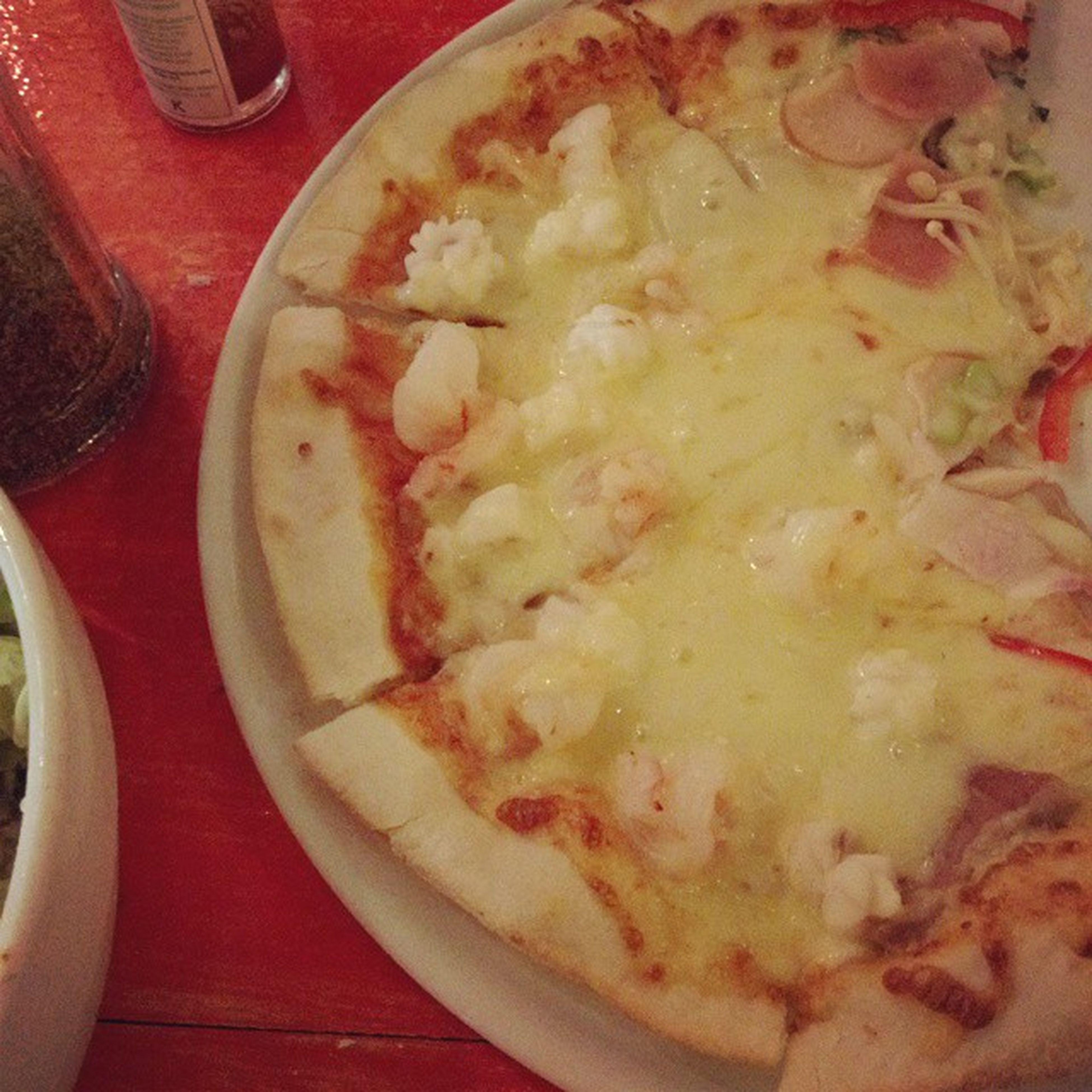 Pizza cheese อร่อยๆๆๆ แนะนำเลย Bigmama แป้งบาง กรอบ สำคัญตรงชีสนี่แหละ เยอะยืด