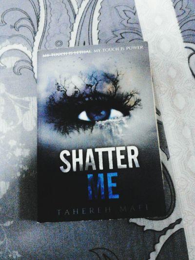 Shatter me ♥ Books