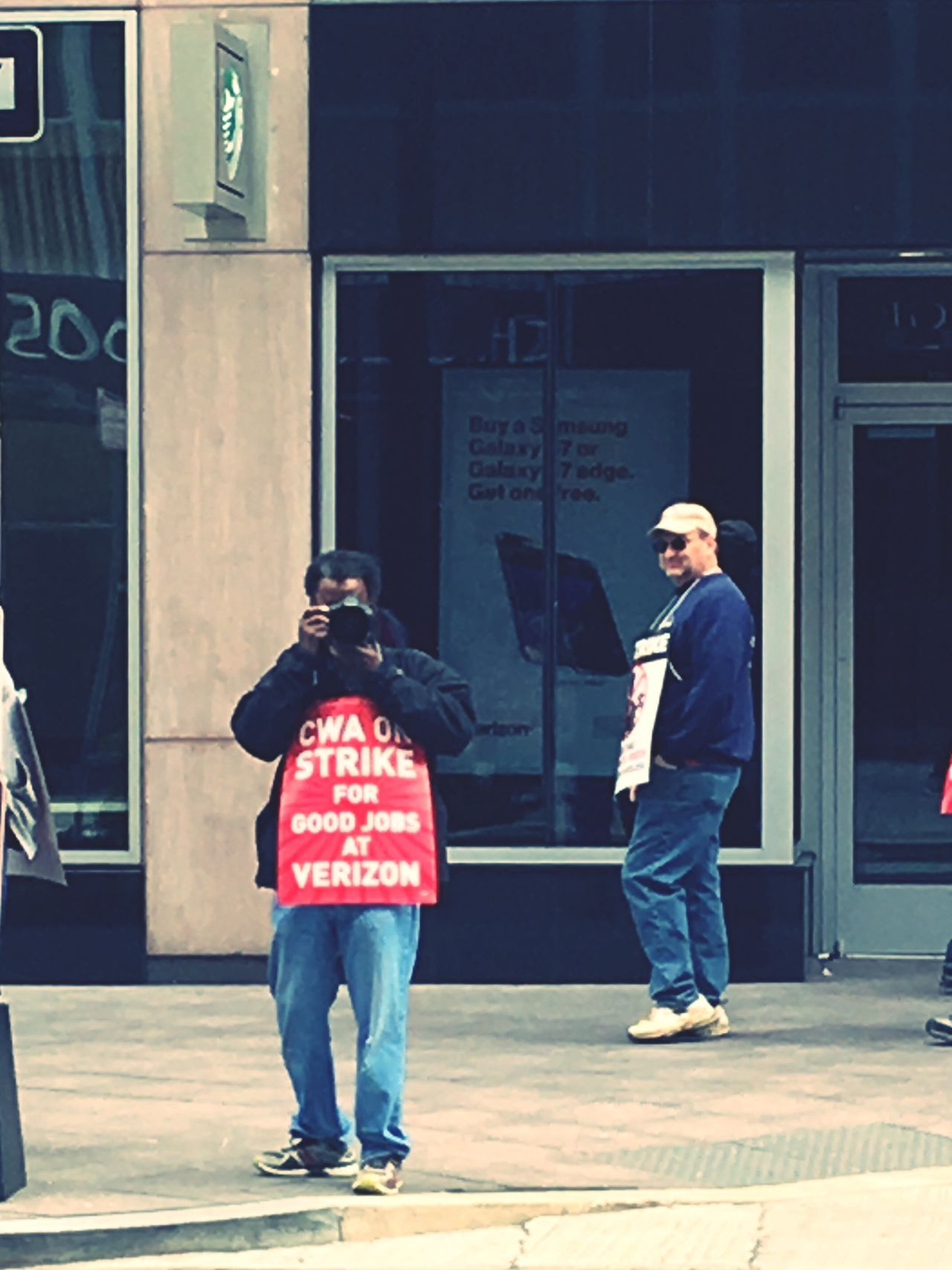 Strike! Verizon L Street Downtown Downtown DC Jobs Photographer Red Sign Statment Lens Spring Shopping Center Franchise NW DC