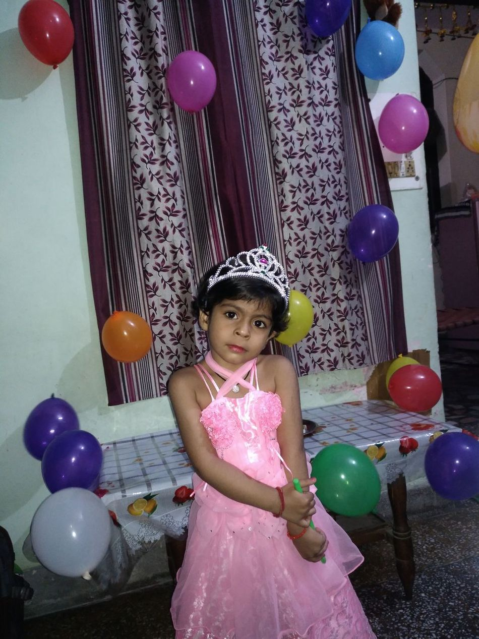 Birthday 🎂 👧 Balloon Children Only Childhood Party - Social Event Child One Girl Only One Person Birthday Celebration Multi Colored Portrait Girls People Indoors  Headwear Looking At Camera Tiara Helium Balloon Happiness Headdress