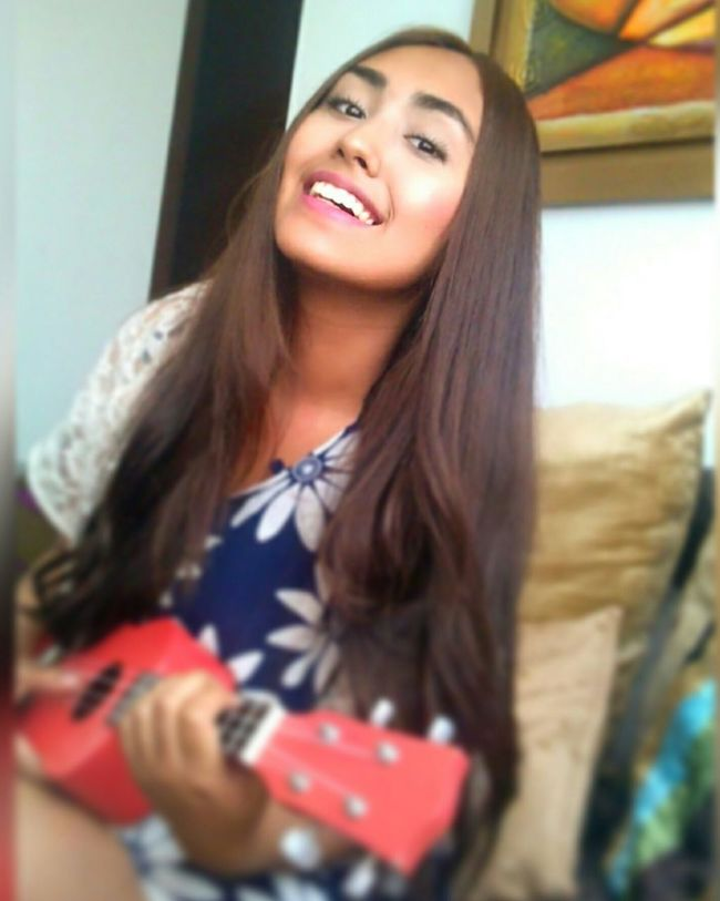 Ukelele Time <3 Enjoying Life HappyAnniversary Smile ✌ Flowers Lovetime Check This Out That's Me Taking Photos Relaxing