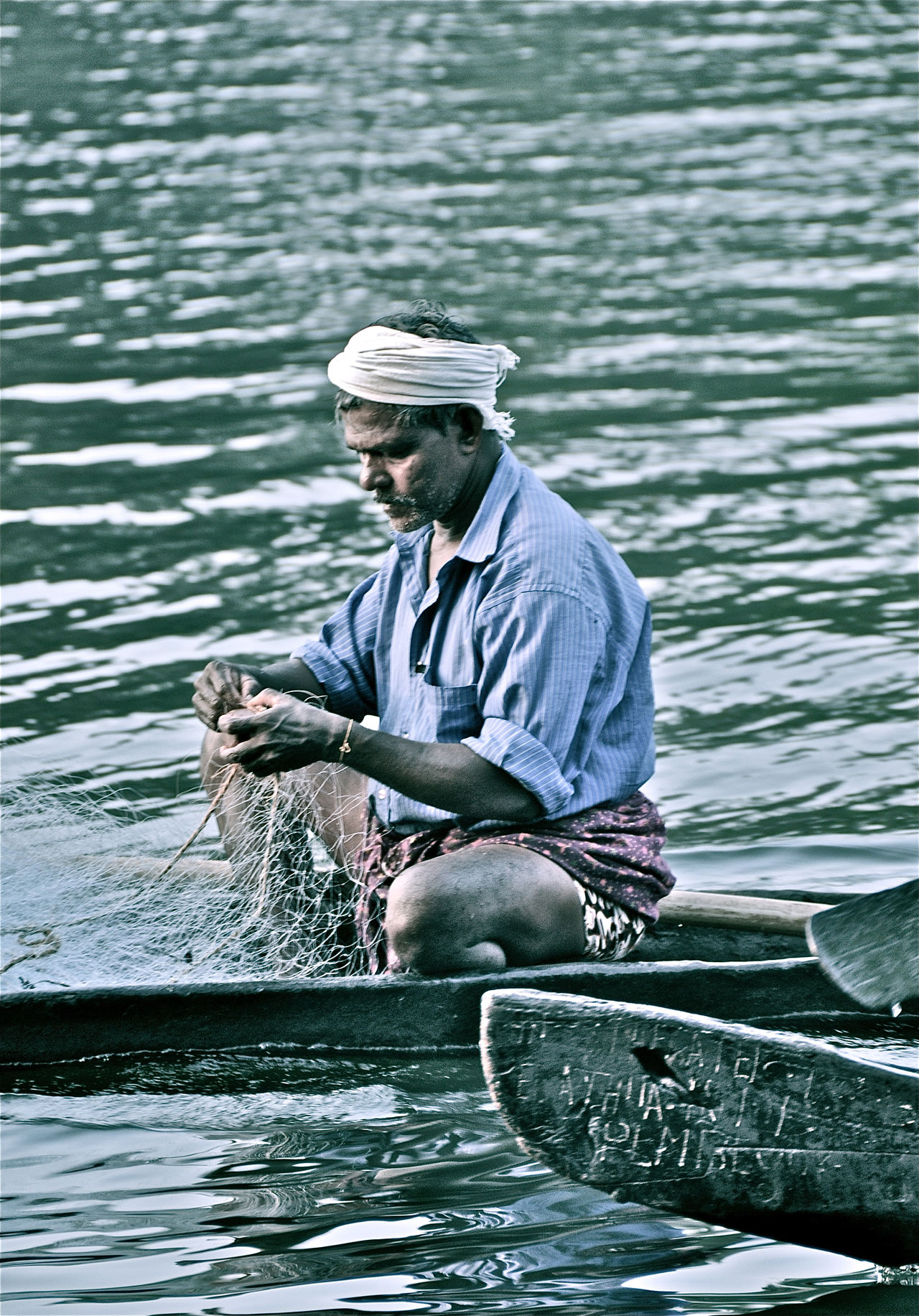 Backwaters Fisherman India Indian Man Kerala Net Traditional The Portraitist - 2016 EyeEm Awards