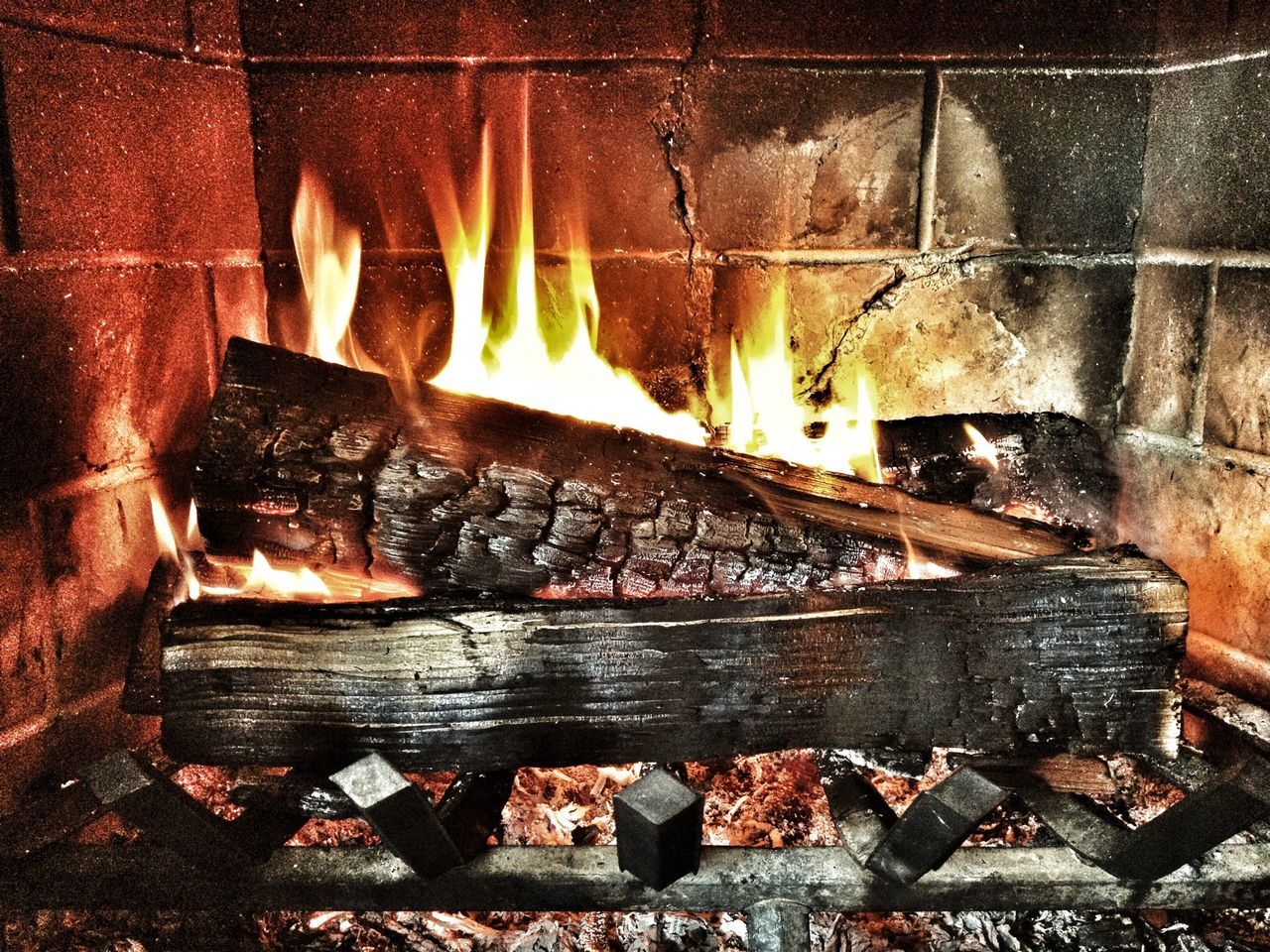 Enjoying Life with a Fireplace warms up the Body And Soul
