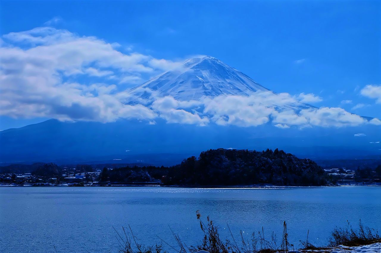 Different scenes of Iconic landmark of Japan. Mount.Fuji. The tallest mountain in Japan, standing 3,776.24 meters tall above sea level with a scenic view of lake Kawaguchiko right in front. Beautiful landscape Autumn Snow Beauty In Nature Blue Sky Calmness Fuji Fuji Mountain Great View Ice Capped Mountains Iconic Iconic Landmark Japan Kawaguchiko Kawaguchiko Lake Kawaguchiko Lakeside Lake Landscape Mount FuJi Mountain Nature Outdoor Photography Snow Sunshine