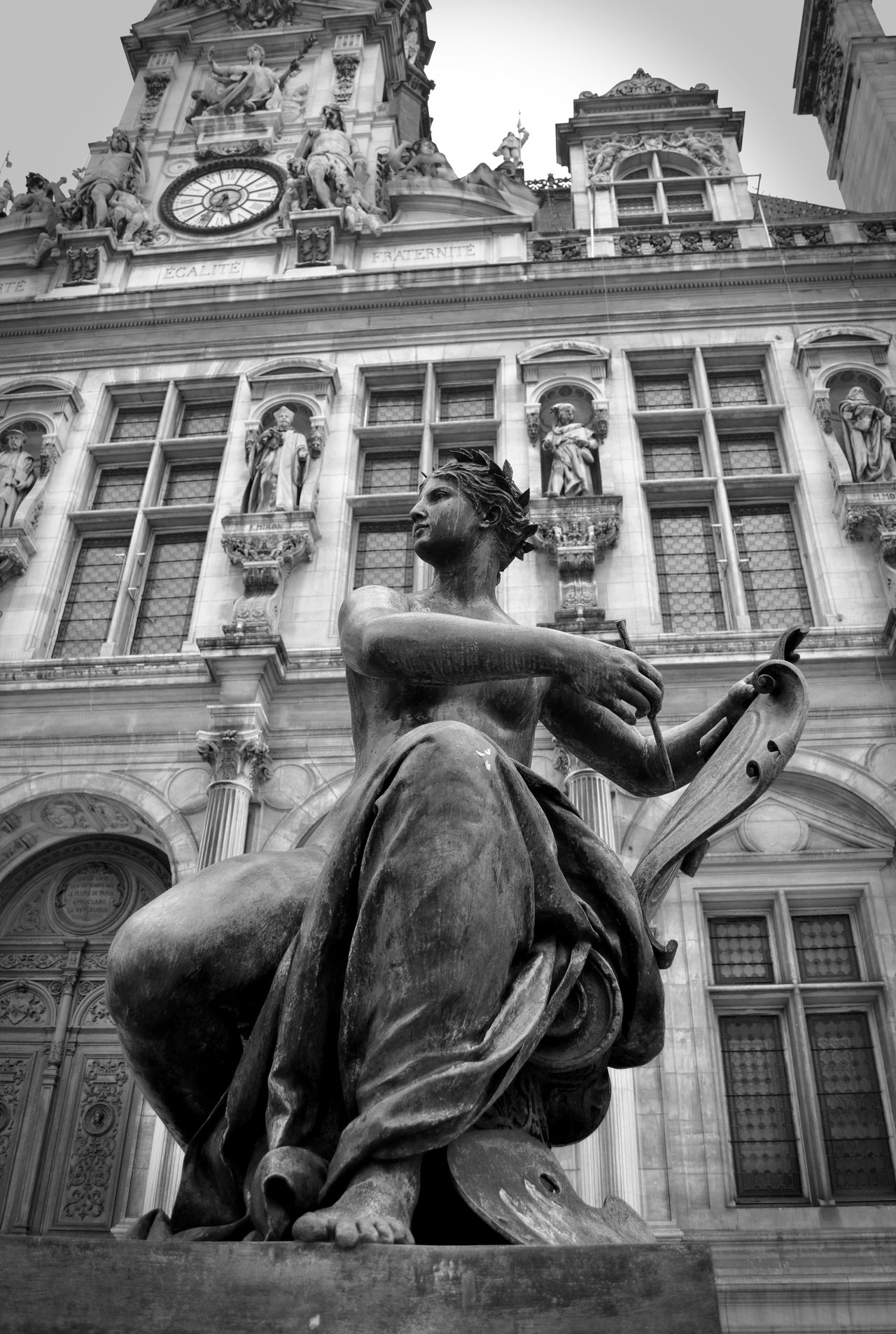 J'aime Paris ! Architecture Building Exterior City Low Angle View Mairie De Paris Outdoors Paris Statue Statues Statues And Monuments