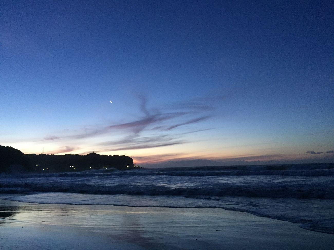 Sunrise Moon Sea Morning Light Morning Sky Early Morning Sky EyeEm Nature Lover