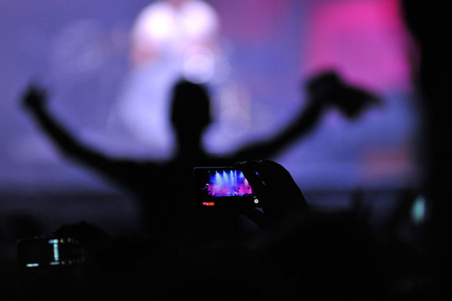Phone photography at a live concert Camera, First Test Shots.. Concert Concert Photography Cropped Electronics  Festival Focus On Foreground Gadgets IPhone IPhoneography Iphoneonly Lights MOVIE Music Musician Night People People Watching Photo Photography Selective Focus Shooting Shopping Show Smartphone Photography