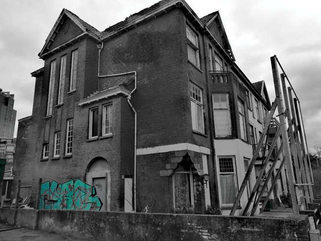 Building Exterior Architecture Built Structure No People House Outdoors Sky From Where I Stand Netherlands ❤ Holland DenHaag Blackandwhite Blackandwhite Photography Black & White Darkness And Light Cloudy Weather⛅☁ City Day Anoldhouse Old Buildings Old House Old But Awesome Graffiti Architecture Netherlands EyeEmNewHere EyeEmNewHere Welcome To Black