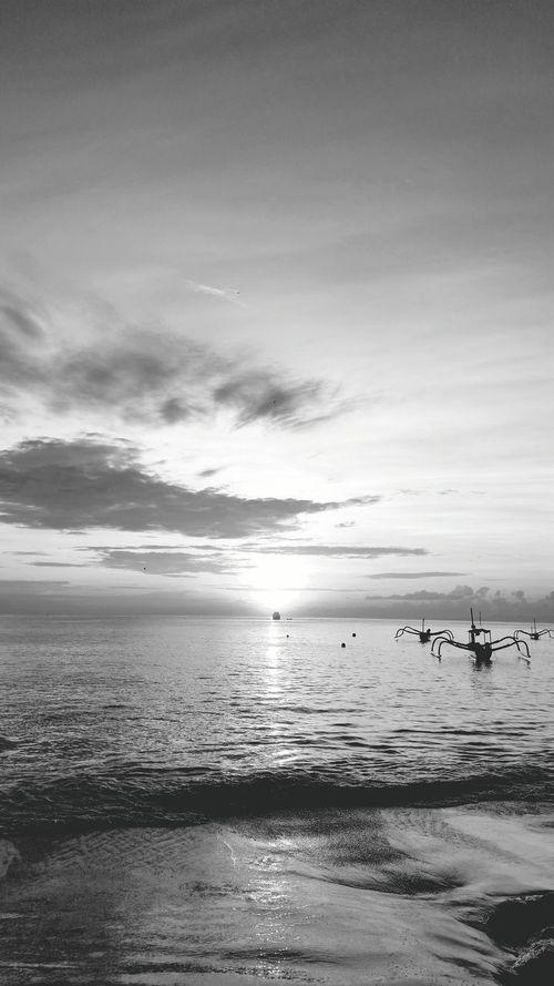 Balisunrise Traveling NatureIsBeautiful Sunrise Boats⛵️ Monochrome