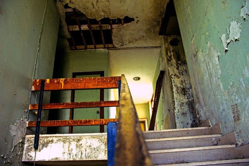 Steps No People Indoors  Architecture Staircase Day Photography Abbandoned Abbandonedhouse Abbandoned Place