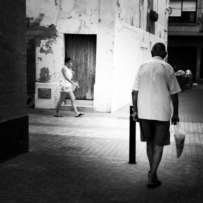 Exchanging Views! Cruce de miradas! Taking Photos Photo Blackandwhite Black & White Monochrome Vintage Black And White Movilgrafias NEM Painterly