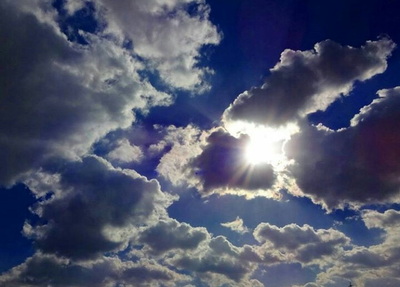 Cloud - Sky Sky Blue Low Angle View Beauty In Nature Dramatic Sky Nature Day Sun Beauty In Nature Eye4photography  EyeEm Best Shots - Nature EyeEm Nature Lover Hello World Love It EyeEm Best Shots 3XSPUnity Relaxing Taking Photos Winter 空 Winter_collection Sky_collection EyeEmNewHere