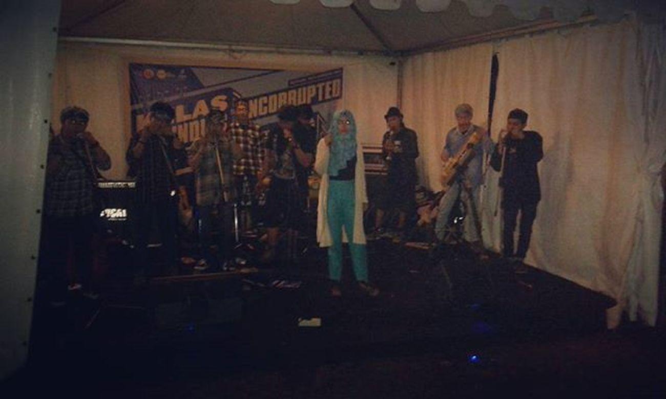 Karinding Resistence live @booth @kelaskarinding @unc_fest Karindingresistence Booth Kelaskarinding Theuncorrupted2015 Sejarahkarindingpriangan Tegalega Bandung
