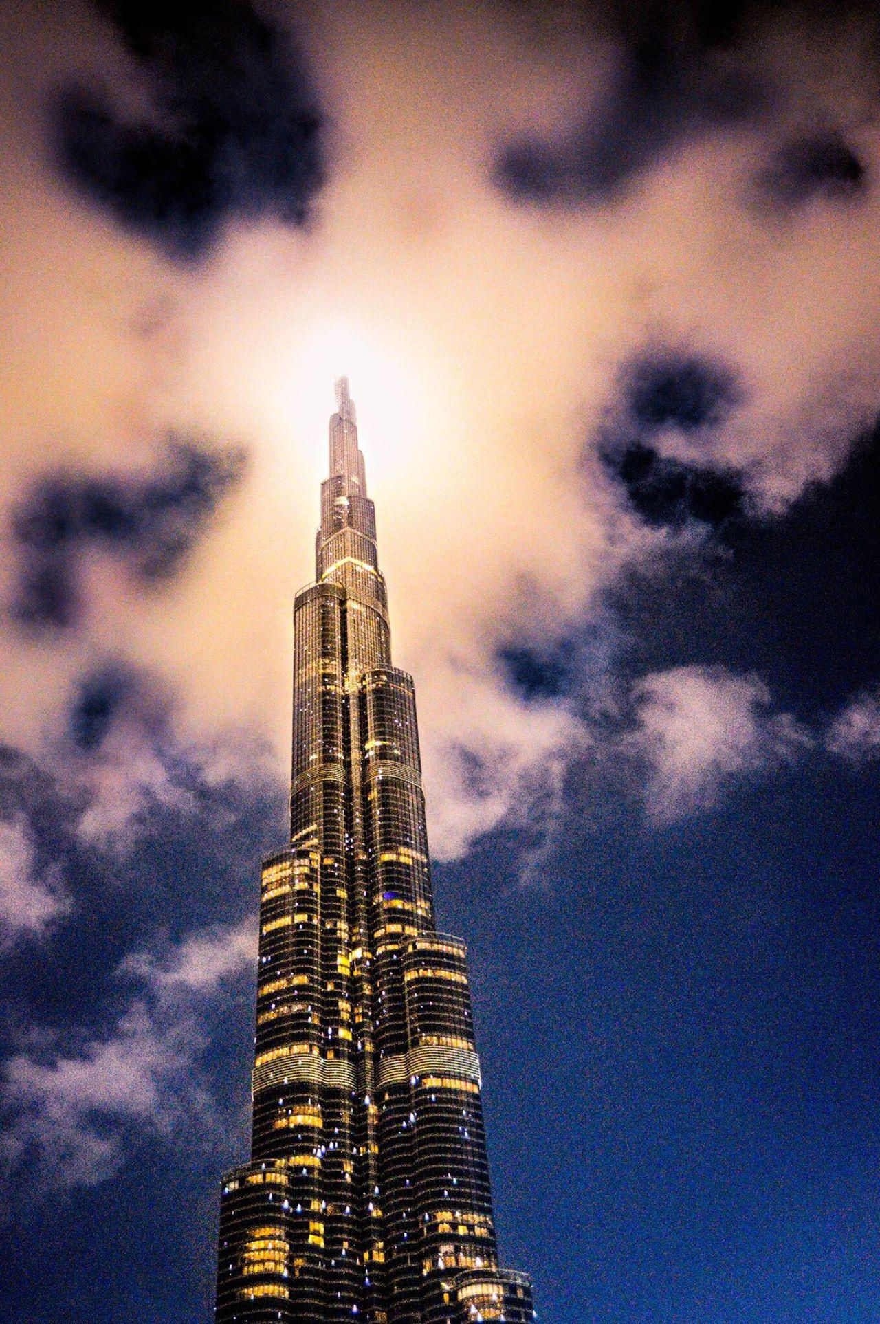 When the Burj Khalifa met the sky!! Check This Out Burj Khalifa Mydubai Dubai Nightphotography Statuesque