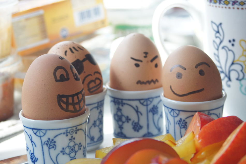 Close-up Egg Egg Face Ei Eier Eierkopf Faces Faces Of EyeEm Food Food And Drink Food And Drinks Food With Faces Freshness Gesichter Healthy Eating Human Representation Indoors  Table