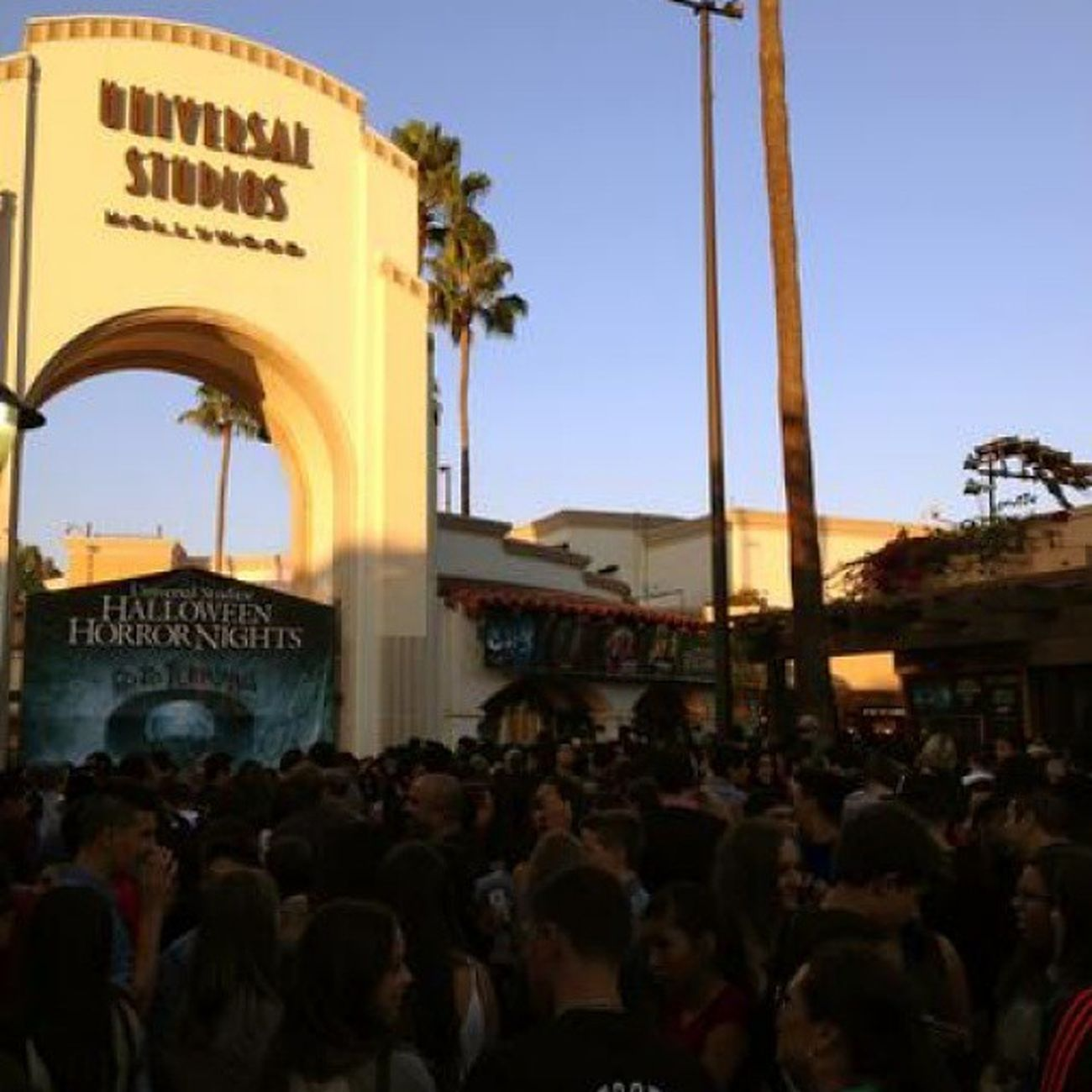 Last night was the bomb dot com. Universal Horrornights Clowns Avp walkingdead thepurge vampires funnight